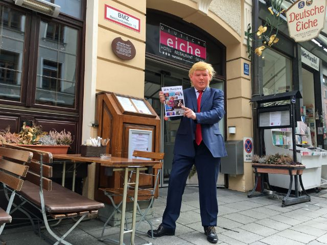 Trump-Imitator vor der Deutschen Eiche , Foto: Deutsche Eiche