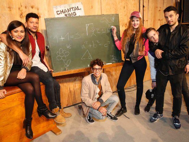 Die Schüler und ihr Lehrer Zeki Müller, Foto: Stage Entertainment GmbH