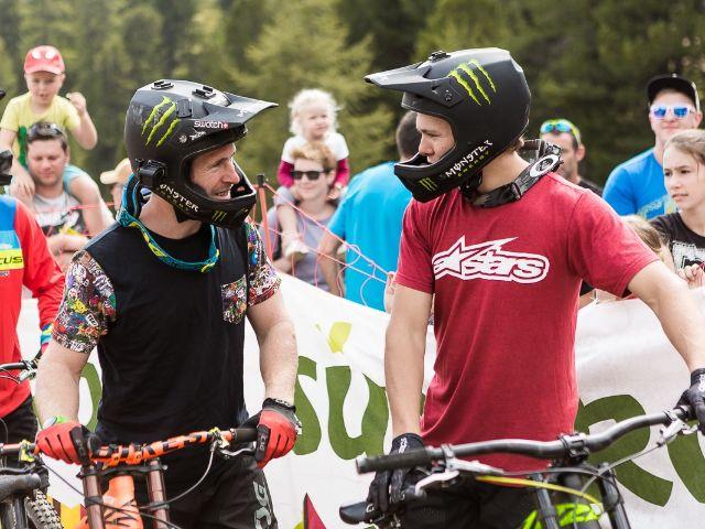 Die Mountainbike-Profis Sam Pilgrim und Max Frederiksson, Foto: David Malacrida