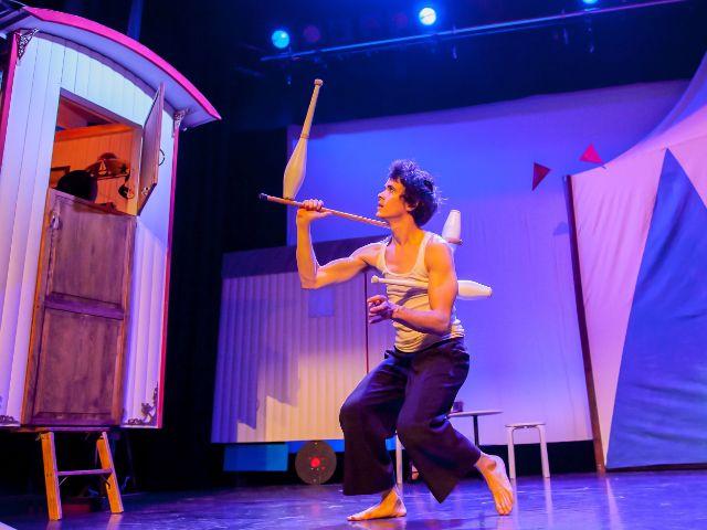 """Der Jongleur Florent Lestage in der Show """"la luna"""", Foto: GOP"""