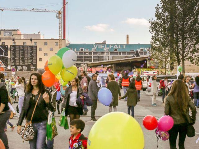 Menschen auf dem Gelände des Werksviertel Mitte, Foto: Werksviertel