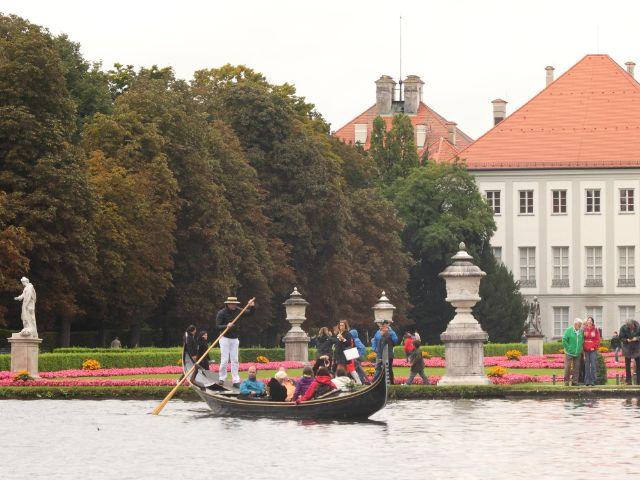 Gondelfahrt auf dem Schlosskanal