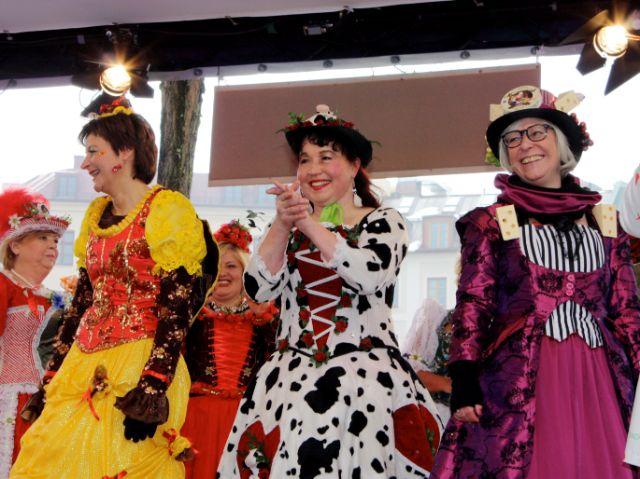 Der Tanz der Marktfrauen auf dem Viktualienmarkt