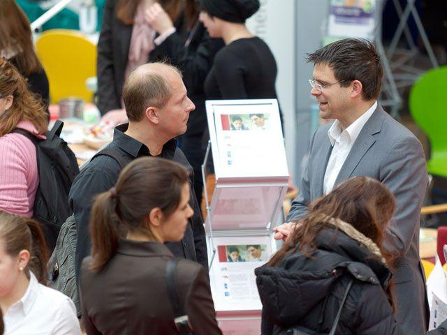 Die Jobmesse in München bietet jedes Jahr einen Austausch zwischen Arbeitnehmern und Unternehmen.