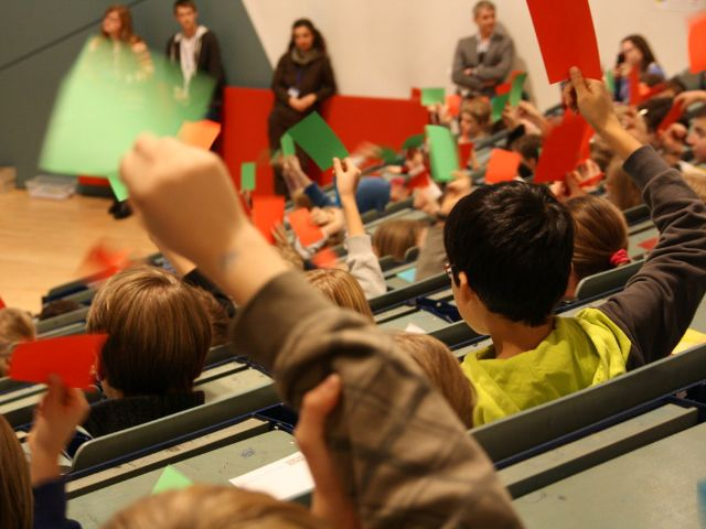 Vorlesung bei der Kinderuni, Foto: Kultur & Spielraum e.V.