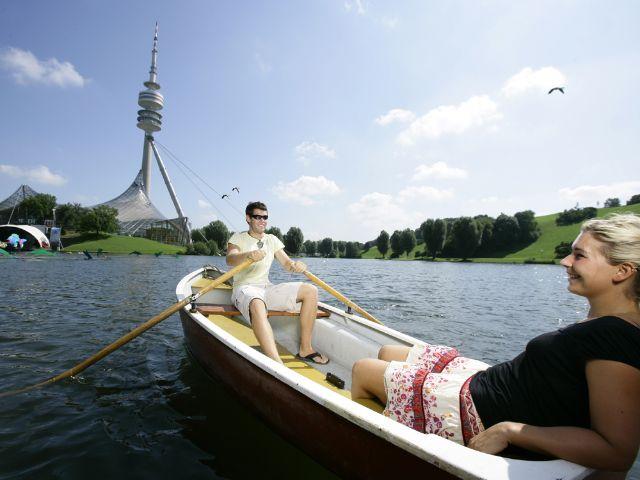 Bootfahren auf dem Olympiasee im Olympiapark
