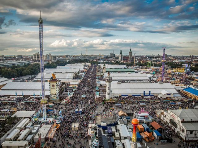 Oktoberfest-Panorama, Foto: Exithamster