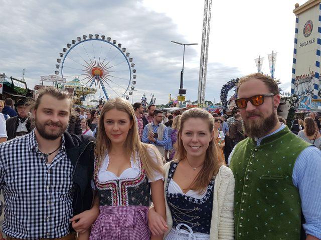 Münchner auf dem Oktoberfest, Foto: muenchen.de/Dan Vauelle