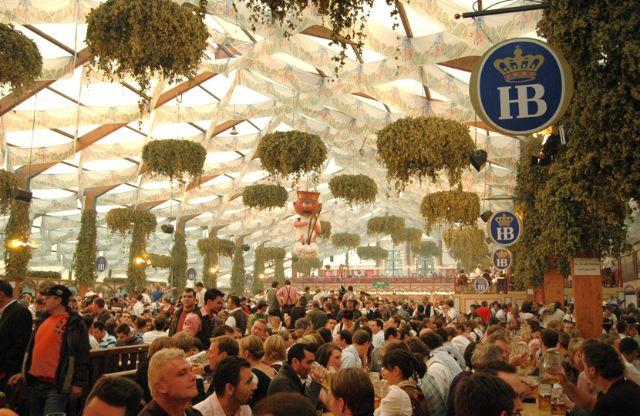 Hofbräu-Festzelt Hofbräufestzelt Steinberg OHG Hofbräukeller Innere Wiener Str. 19 81667 München Tel.+49-89-448 96 70. Fax +49-89-448 35 87 & Oktoberfest: Reserving seats in a beer tent - The official website ...