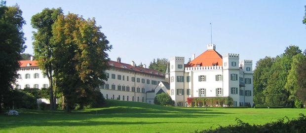 Schloss Possenhofen am Starnberger See , Foto: Tourismusverband Starnberger Fünf-Seen-Land