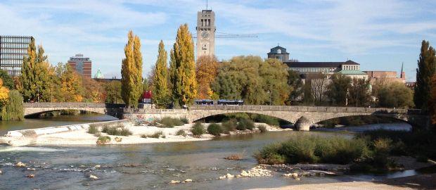 Corneliusbrücke im Herbst, Foto: Melina Pfeffer