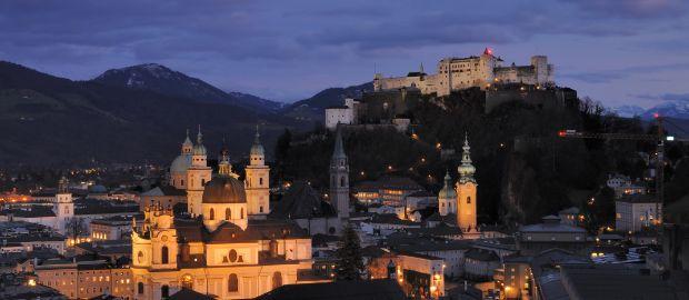 Salzburg bei Nacht, Foto: Taxiarchos228