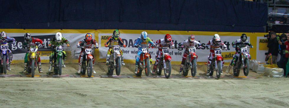Laute Motoren, halsbrecherische Rennen und spektakuläre Sprünge in der Olympiahalle in München., Foto: www.sykora-foto.de