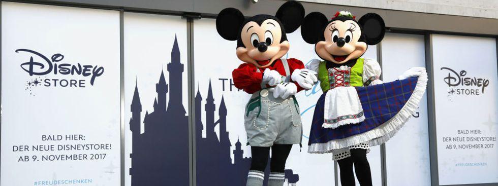 Disney Store in München mit Micky- und Minnie-Darsteller, Foto: The Walt Disney Company