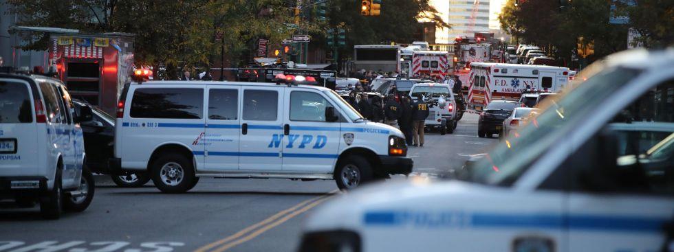 Nach dem Terrorakt in New York: Die Polizei sichert den Tatort, Foto: picture alliance / Photoshot