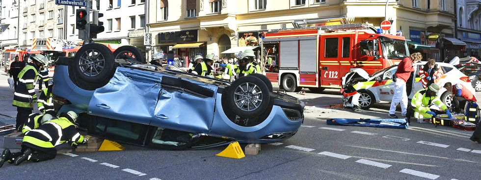 Unfall in der Paul-Heyse-Straße, Foto: Berufsfeuerwehr München