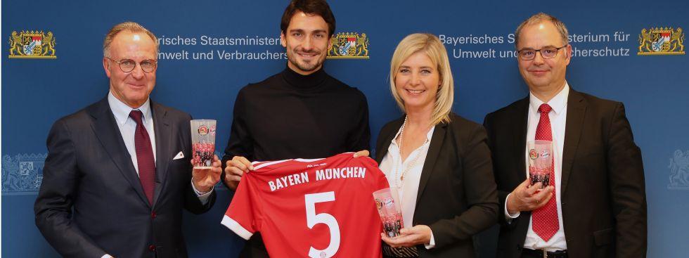FC Bayern stellt von Sommer 2018 an bei Heimspielen auf Mehrwegbecher um, Foto: Bayerisches Staatsministerium für Umwelt und Verbraucherschutz