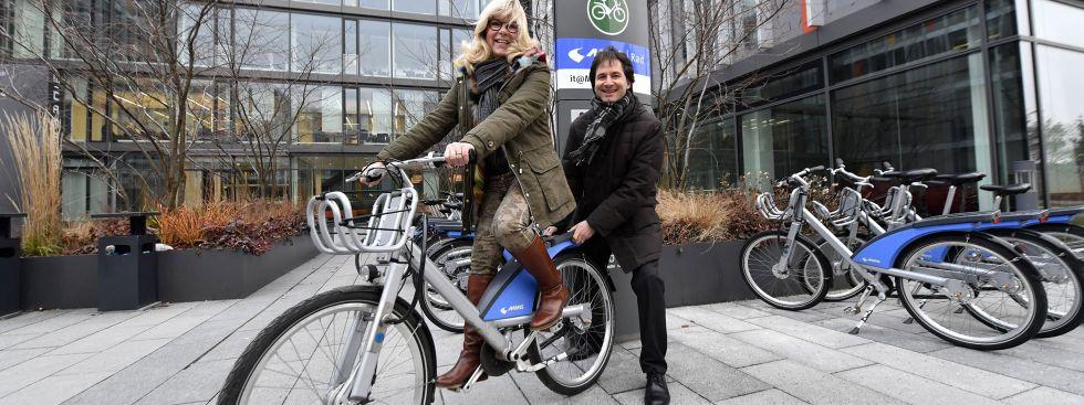MVG Radstation am IT-Rathaus mit Monika Hable-Hafenbrädl und Gunnar Heipp, Foto: SWM