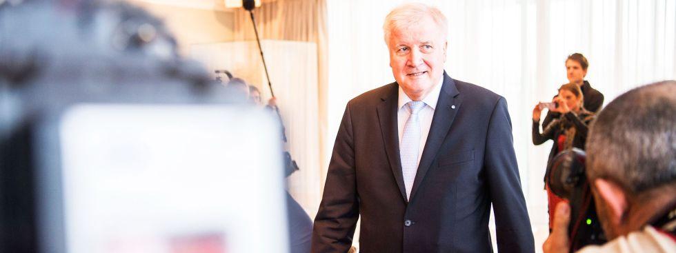 Horst Seehofer bei seiner letzten Kabinetts-Sitzung als Ministerpräsident, Foto: dpa
