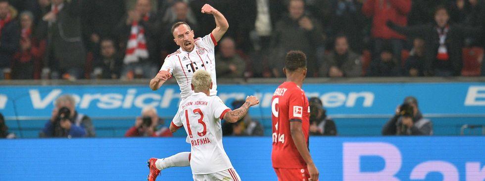 Bayer 04 Leverkusen - FC Bayern München am 12.01.2018 in der BayArena in Leverkusen Torjubel zum 0:2 durch Franck Ribery, Foto: dpa