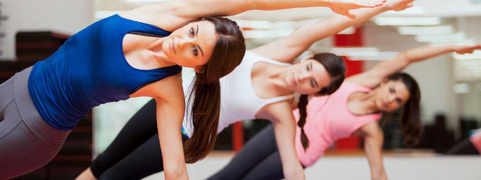 Frauen beim Yoga, Foto: antoniodiaz / Shutterstock.com