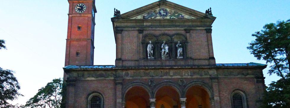 Kirche St. Ursula in Schwabing, Foto: muenchen.de/Mark Read