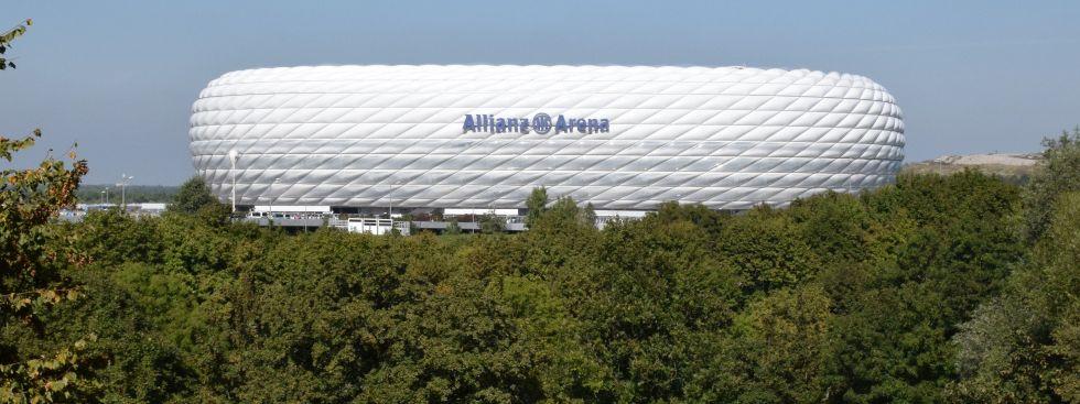 Die Allianz Arena vom Fröttmaninger Berg aus gesehen, Foto: muenchen.de/Mark Read