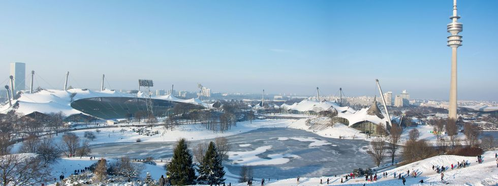 Olympiapark mit Olympiastadion und Olympiaturm im Winter , Foto: Michael Hofmann