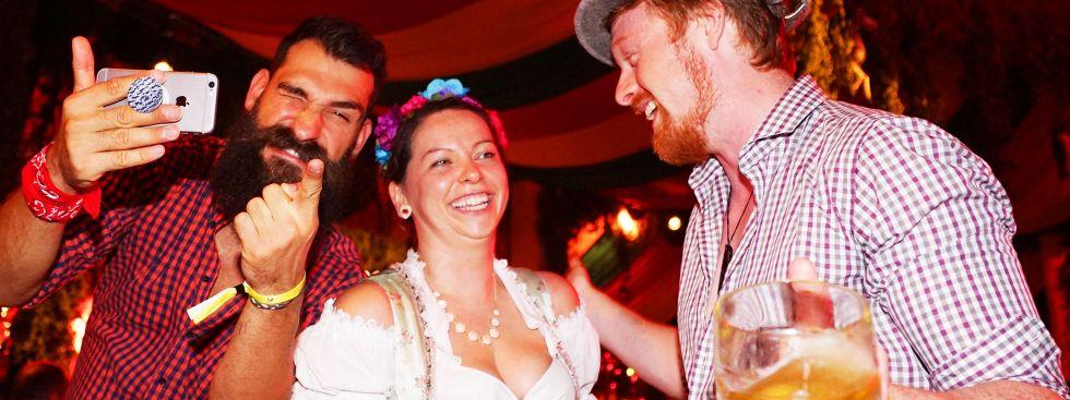 Spaß auf einer After-Wiesn-Party in München, Foto: muenchen.de / Dan Vauelle