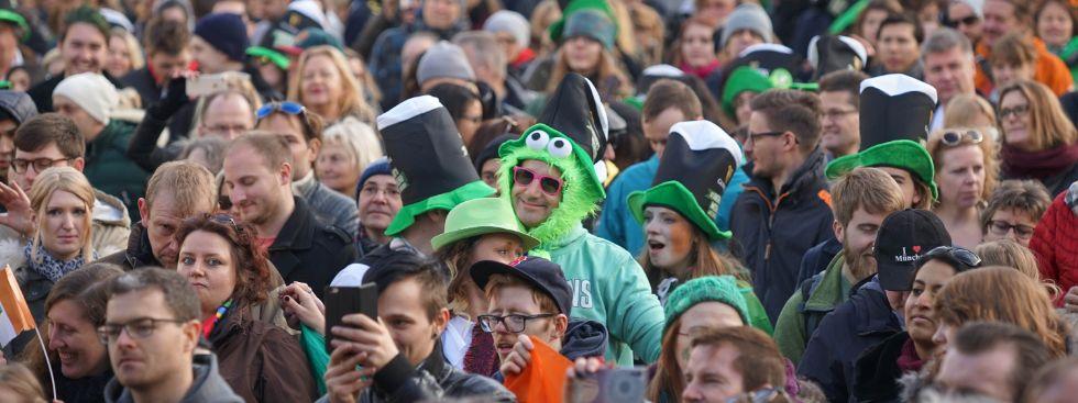 Viele Menschen bei St. Patricks Day , Foto: muenchen.de/ Vauelle
