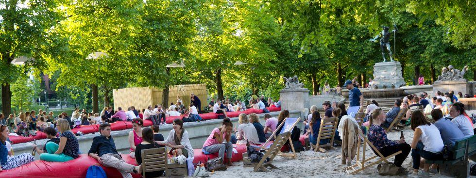 Kulturstrand 2015 am Vater-Rhein-Brunnen, Foto: Katy Spichal
