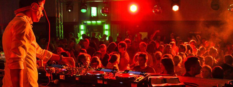 Partystimmung mit DJ, Foto: Christian Scheiffele