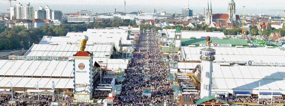 Eine Panorama-Aufnahme vom Oktoberfest, Foto: David Brill