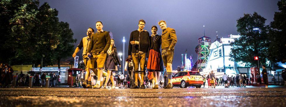 Besucher auf dem Heimweg vom Oktoberfest, Foto: Exithamster
