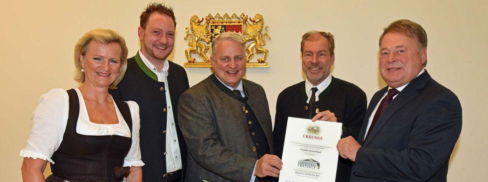 Auszeichnung für das Schottenhamel Festzelt, Foto: DEHOGA Bayern e.V.