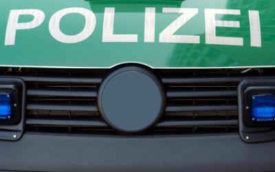 Streifenwagen Polizei Schriftzug