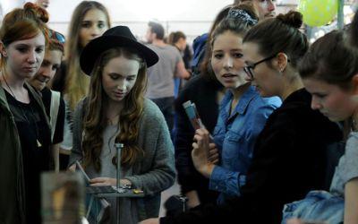 Stijl Designmarkt mit Besuchern