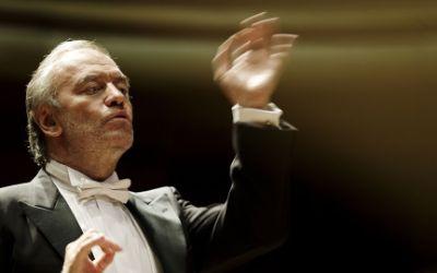 Valery Gergiev dirigiert