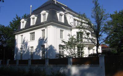 Das nachgebaute Haus der Familie Mann im Herzogpark in Bogenhausen