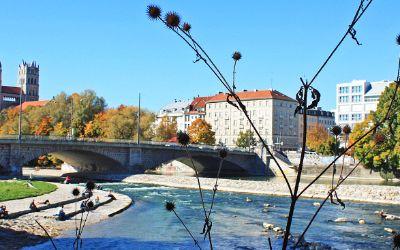 Sonniges Herbstwetter an der Reichenbachbrücke
