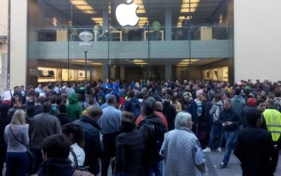Andrang vor dem Apple Store in München