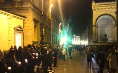 Lichterkette am Odeonsplatz vor der Feldherrnhalle