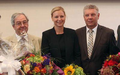 Stephanie Jacobs (m.) nach ihrer Wahl zur neuen Referentin für Gesundheit und Umwelt