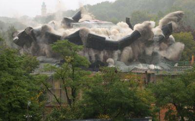 Sprengung des Elefantenhauses im Tierpark Hellabrunn