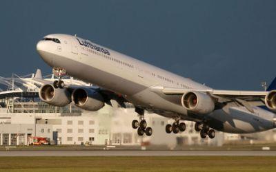 Flughafen München: Start eines Airbus A 340-642
