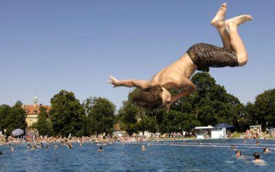 Freibad Schyrenbad: Sprung ins Becken