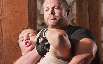 Männer beim Nahkampf-Training