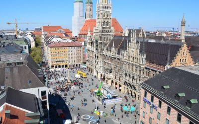 Blick vom Alten Rathaus auf den Marienplatz