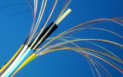 Glasfaserkabel für Telefon und Internet