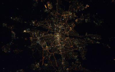 München bei Nacht aus Sicht der Internationalen Raumstation (ISS)